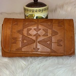 NWOT American West Brown Leather Tri-Fold Wallet